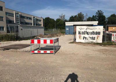 Strom und Wasser zu den Containern